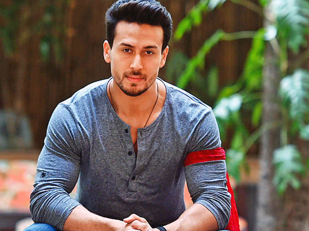 Tiger shroff praises his SOTY2 co-stars