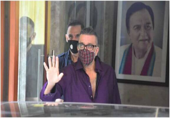 After recovering, Sanjay Dutt discharged from Mumbai