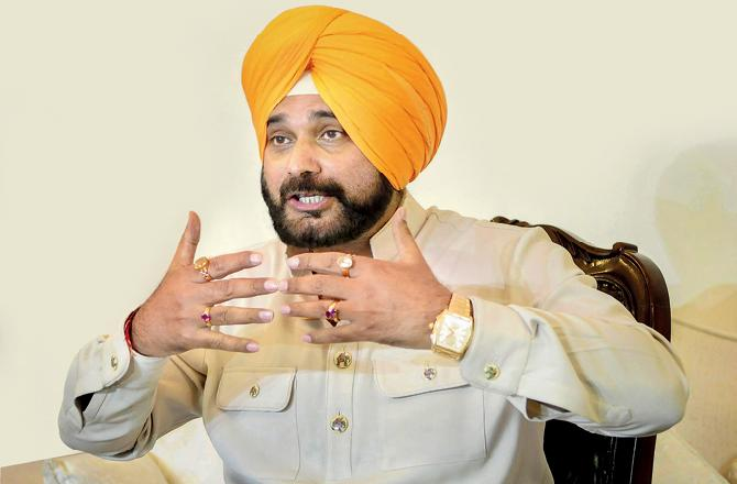 Pulwama attacks: Navjot Singh Sidhu allowed to enter Film City but won't be given work, claims IFTDA