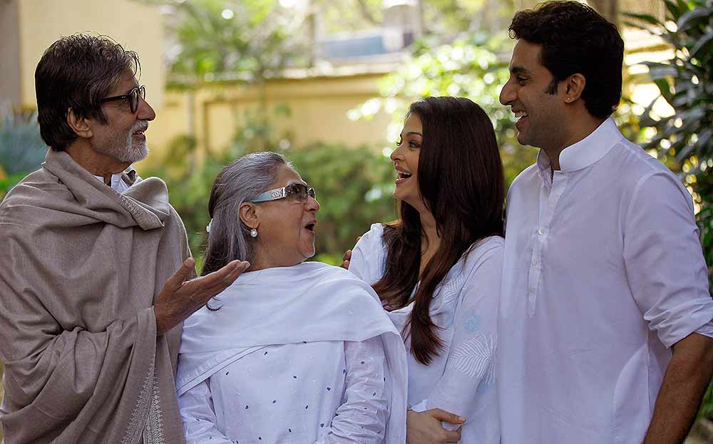 Big B reveals Bachchan family start new projects,