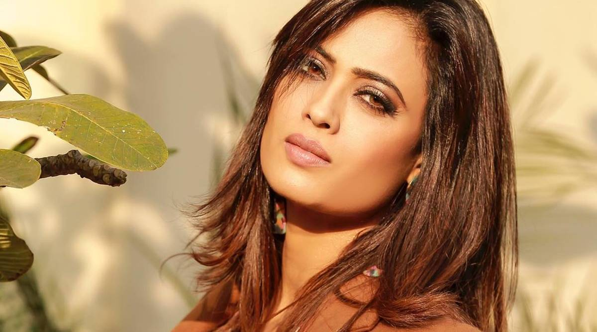 I am very happy with the growth, even the mistakes I have made in my career: Shweta Tiwari