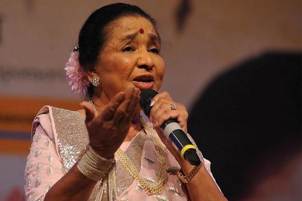 Legendary singer Asha Bhosle