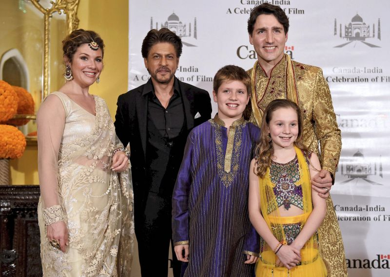 Shahrukh khan meets sherwani-clad Trudeau, celebrates stronger ties