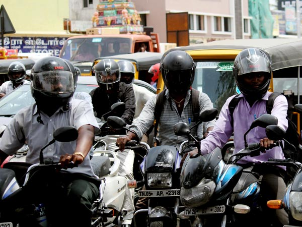 Wearing helmet may reduce spine injury risk during crash