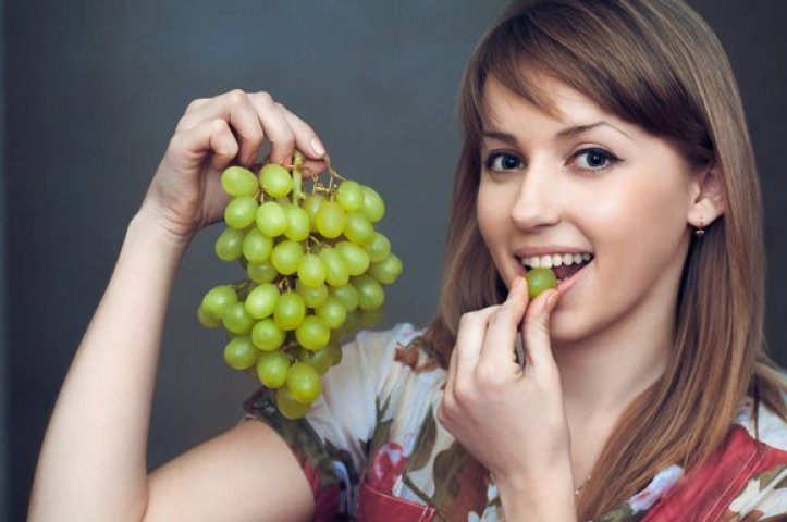 Eating grapes wards off depression