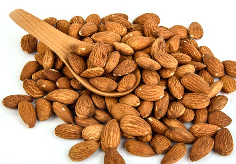 Almonds can help improve blood sugar levels despite skipping breakfast