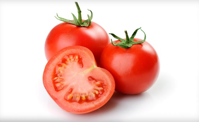 Eating tomatoes may restore lung damage in smokers