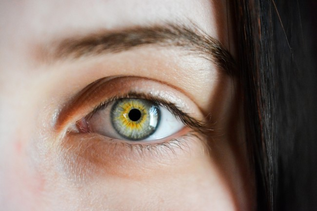 US approves first AI-based device to detect diabetic eye disease