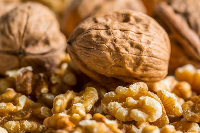 Eating walnuts may not cause weight gain: Study