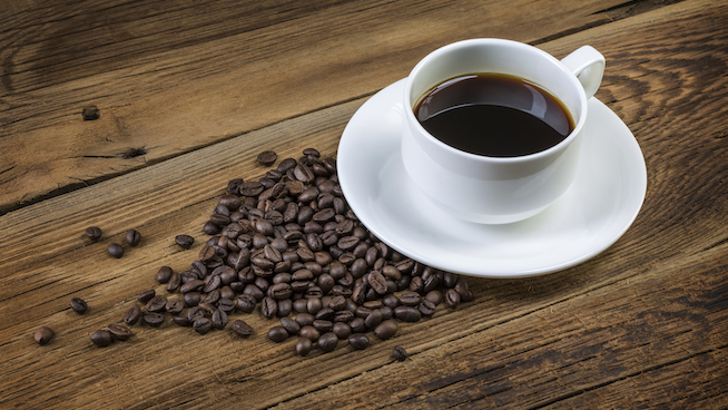 Drinking coffee can improve performance of sportspersons: Study