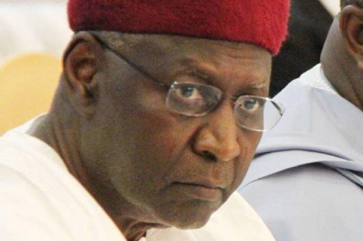 nigeriapresidentbuharischiefofstaffabbakyaridiesofcoronavirus