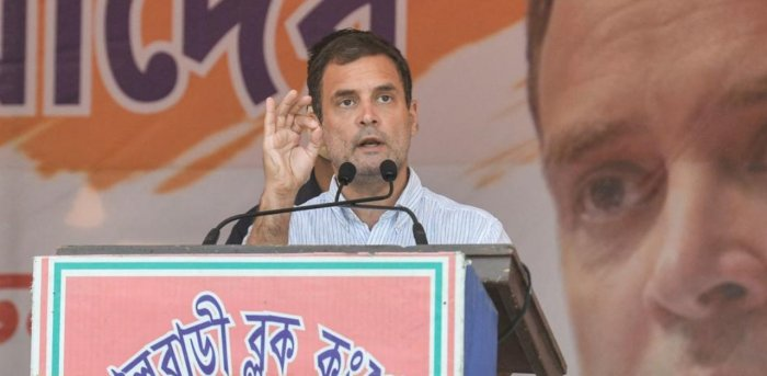 Rahul Gandhi criticized PM Modi on his measures to contain the Corona situation