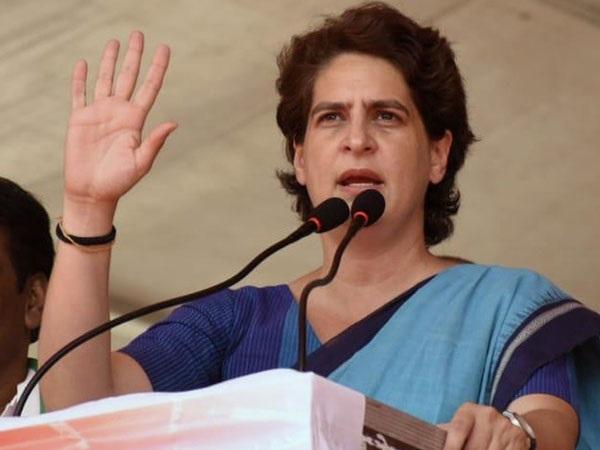 Modi govt collecting money by hiking LPG prices: Priyanka Gandhi Vadra