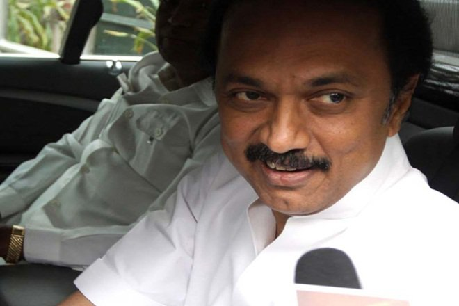 DMK slams Sasikala; seeks CBI probe into Panneerselvam's allegations