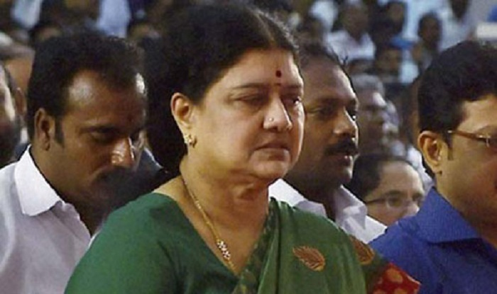Governor Vidyasagar Rao tells Centre: Not prudent to invite Sasikala to form government