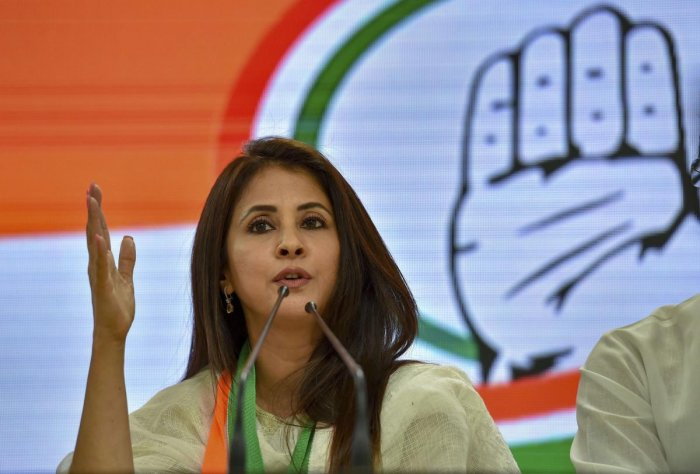 Urmila Matondkar and Priya Dutt file nominations in Mumbai