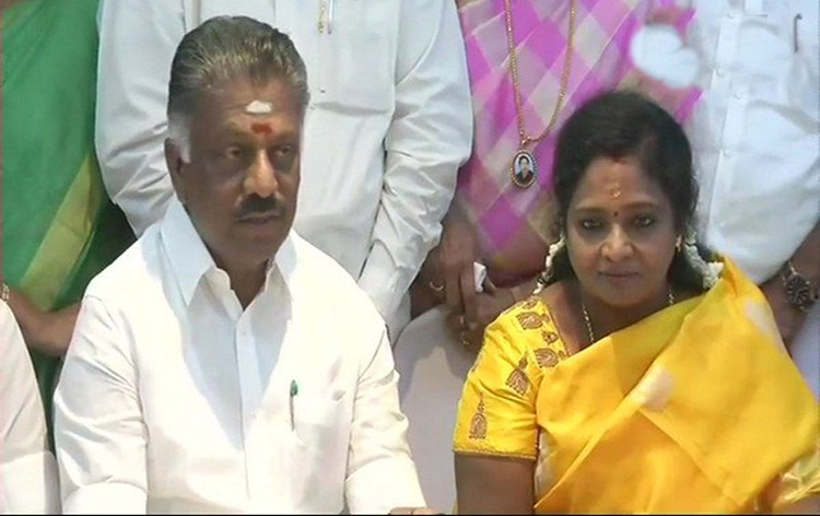 AIADMK announces candidates for 20 Lok Sabha seats in Tamil Nadu