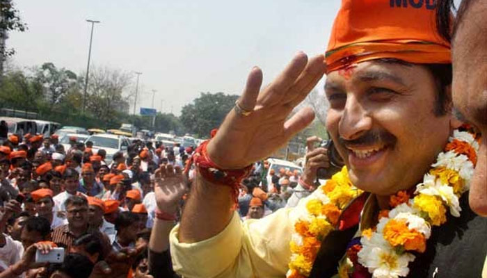 Manoj Tiwari holds road show for 3rd consecutive day