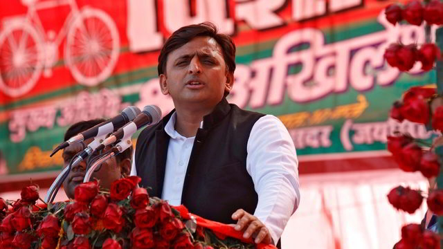 Akhilesh dares Modi to list out work done by him