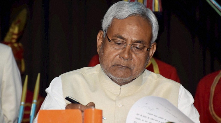 Nitish Kumar to support SP-Cong alliance