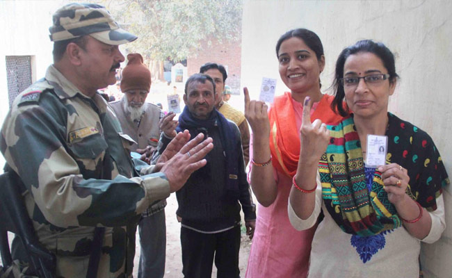 25 per cent voters exercised their franchise till 12 noon in UP polls