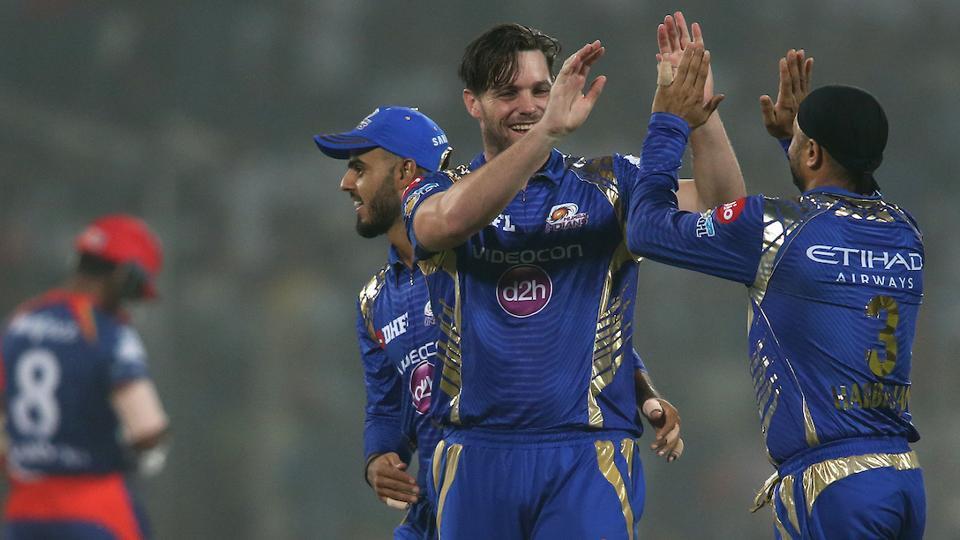 IPL 2017:DD vs MI : Pollard, Simmons star as Mumbai Indians score 212/3