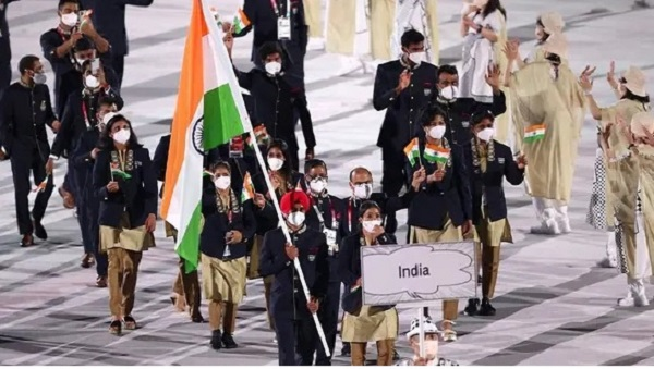 Tokyo Olympics opening ceremony: Flagbearers Mary Kom and Manpreet Singh lead Indian contingent;