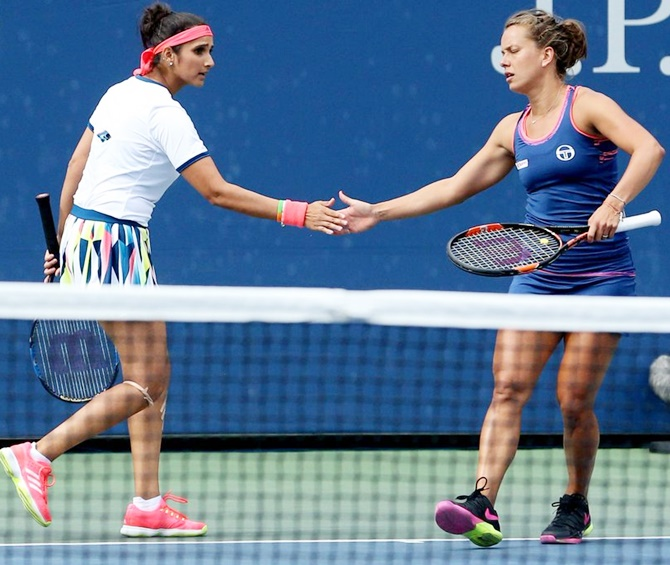 Sania Mirza,Strycova enter into quarter-finals of Indian Wells Masters
