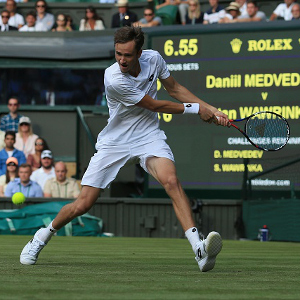 Wimbledon: Angry Daniil Medvedev throws coins at umpire