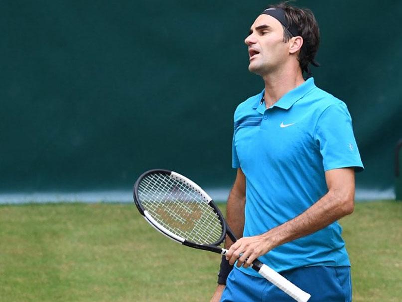 Federer loses world No.1 spot