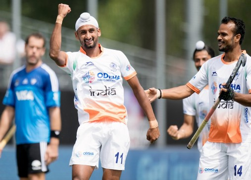 india-beat-argentina-by-2-1-in-champions-trophy