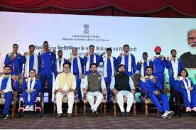 Sports Minister Anurag Singh Thankur felicitates Paralympics medal winners