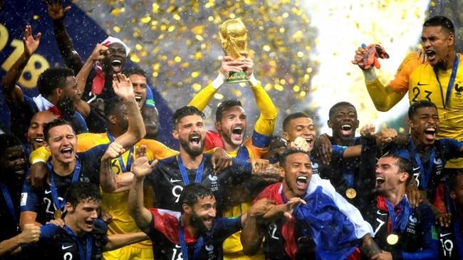 franceliftstheirsecondworldcupfootballtitle