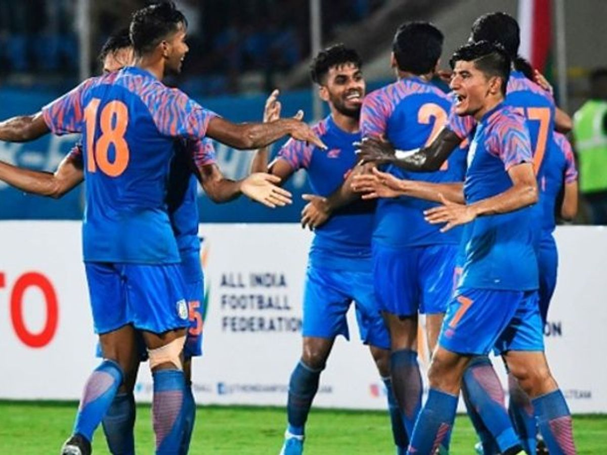 India advance to 2nd round of Men