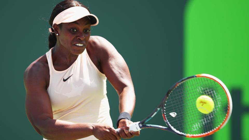 Sloane Stephens beat Angelique Kerber to reach the semi-finals of Miami Open