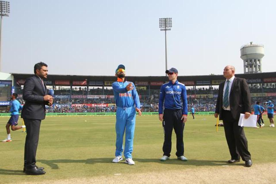 England win toss, elect to bowl first in 2nd ODI against India at Cuttack