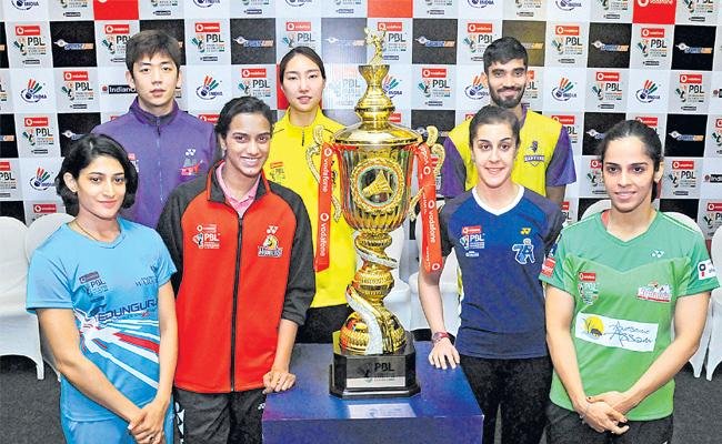 Premier Badminton League begins in Mumbai today