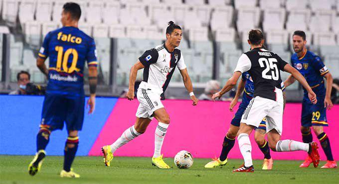 Juventus beats 10-man Lecce 4-0