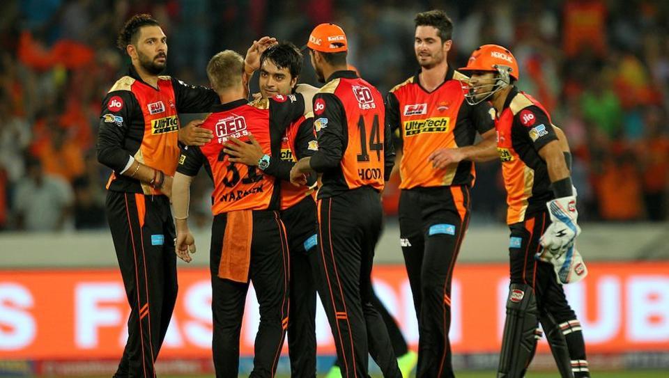 Sunrisers Hyderabad post 207/4 against RCB