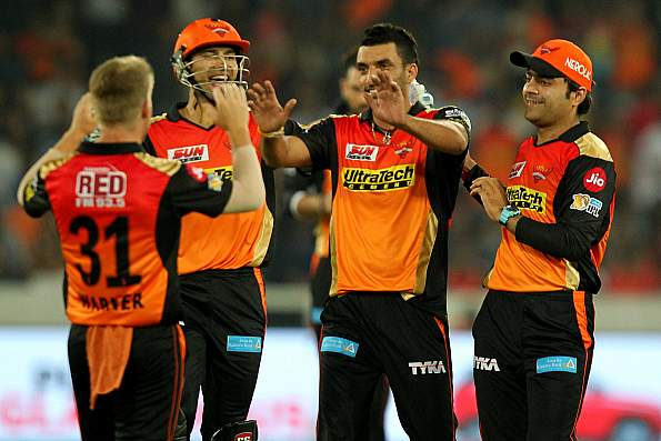 MI vs SRH: Shikhar Dhawan, David Warner get SRH off to a good start