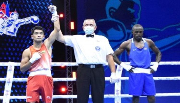 Shiva Thapa, Deepak Bhoria advance at Men