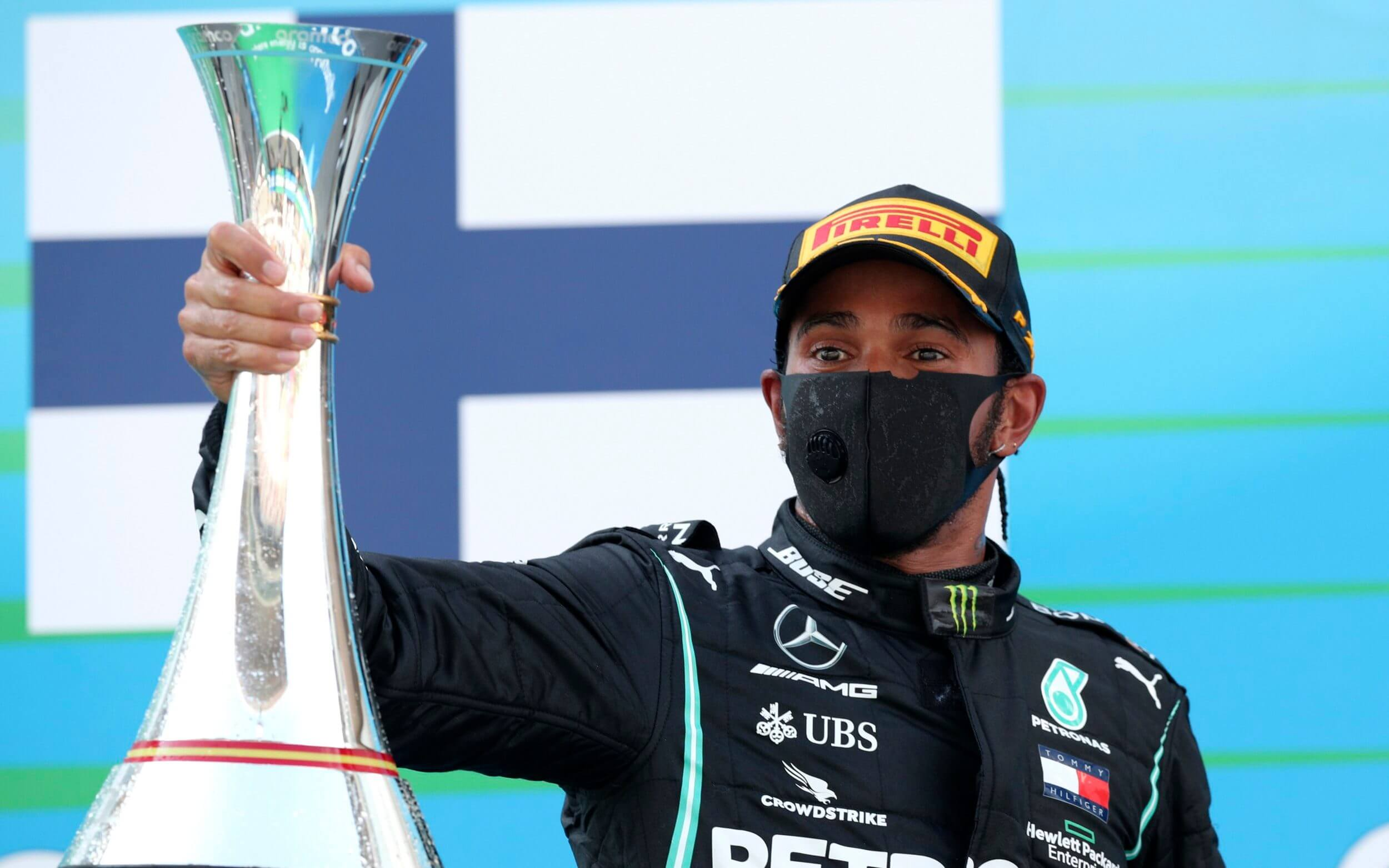 F1: Lewis Hamilton wins 5th straight Spanish Grand Prix
