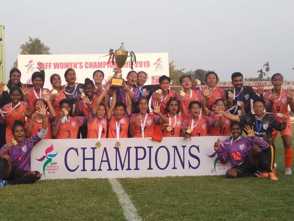 India clinch SAFF women