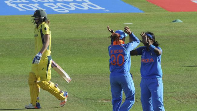 India stun Australia to reach women's World Cup final