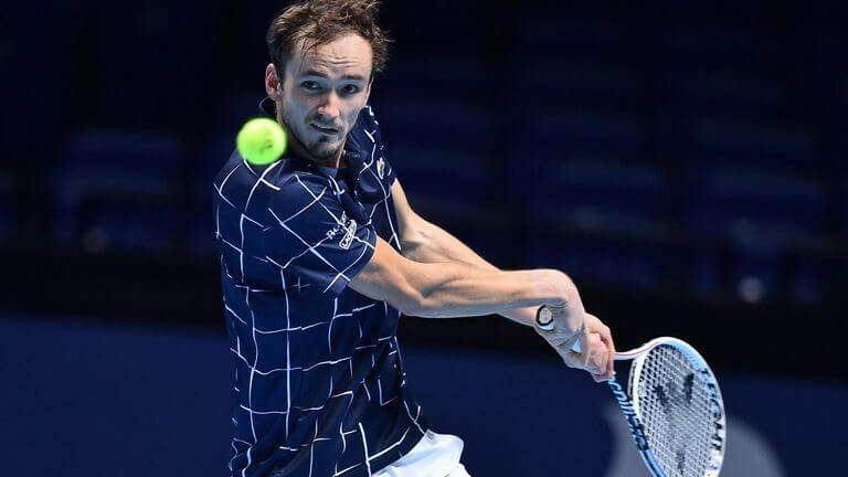 Daniil Medvedev defeats Novac Djokovic to reach semis at ATP Finals