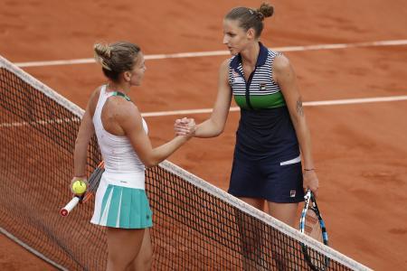 French Open: Simona Halep beats Karolina Pliskova to cruise to final