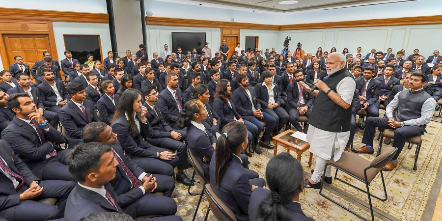 pm-modi-sports-minister-rathore-felicitate-medal-winners-of-2018-asian-para-games