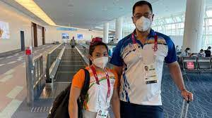 Silver medal winner Mirabai Chanu gets rousing welcome on return to country