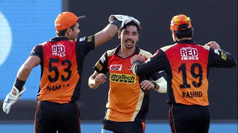 IPL:GL vs SRH : Mohammad Siraj, Rashid Khan star as Sunrisers Hyderabad secure playoff berth