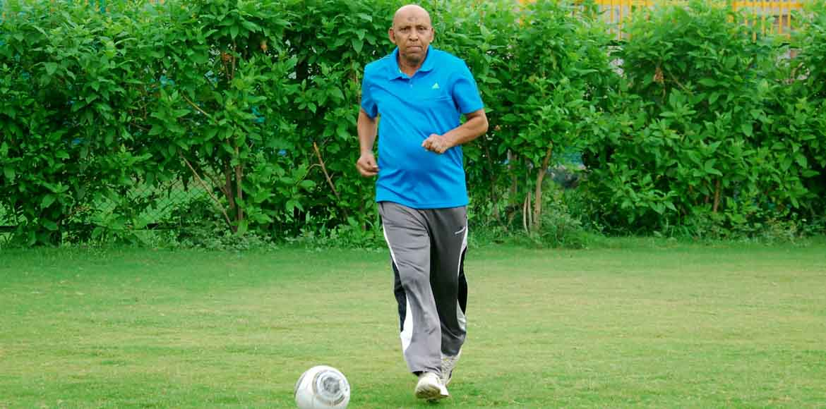 Former Olympic footballer SS Hakim detects COVID-19 positive, seeks govt's help